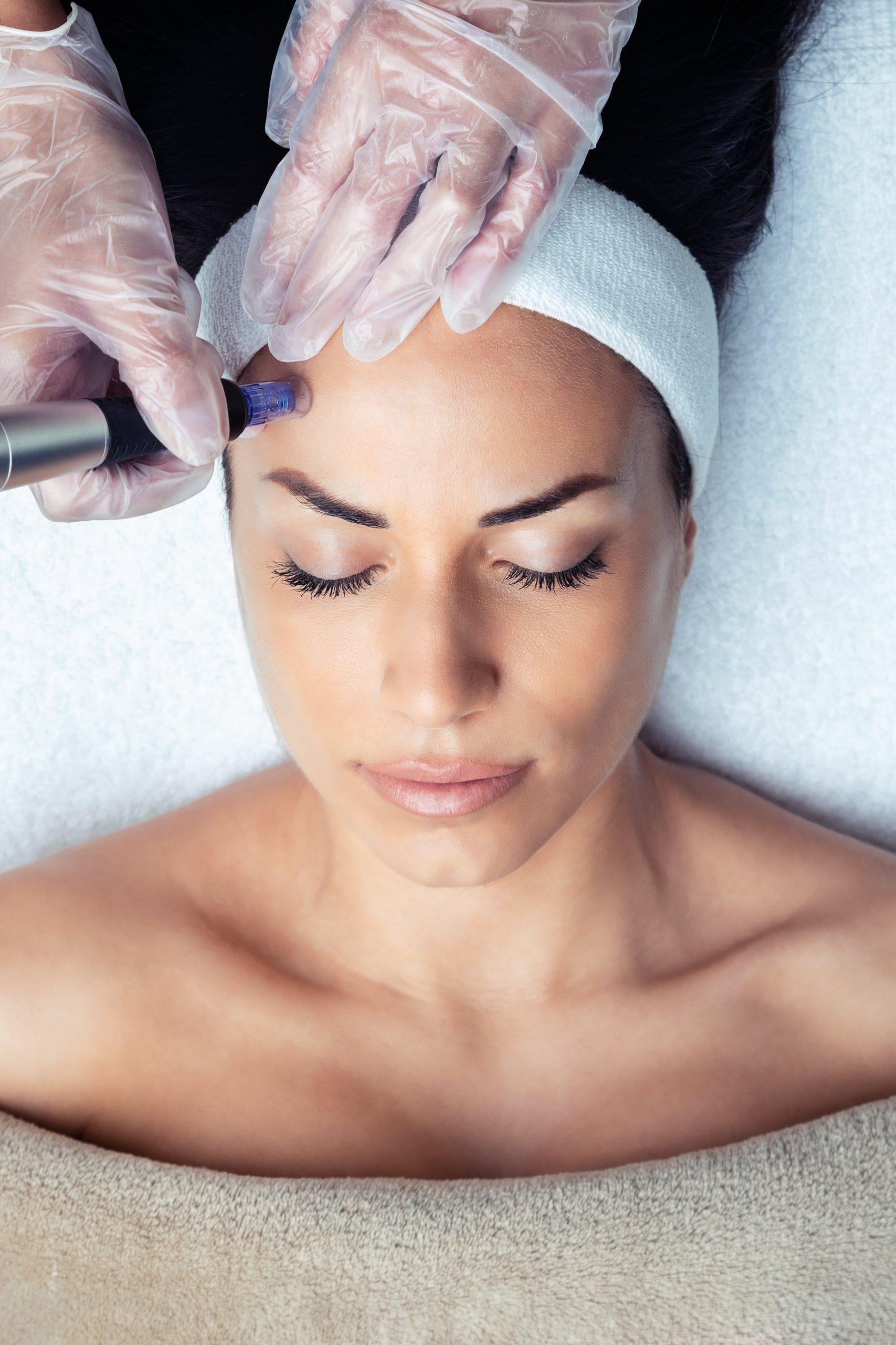 Botox behandling i klinikken.